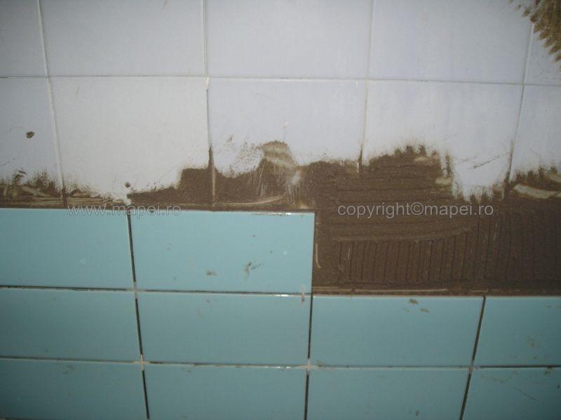 Granirapid_16 Verificare aplicare corecta adeziv la placare piscine MAPEI - Poza 16