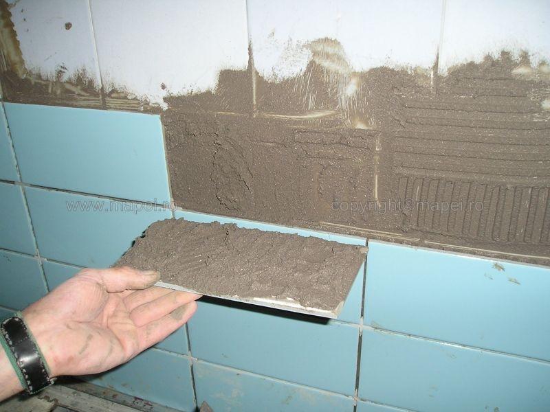 Granirapid_18 Verificare aplicare corecta 100% adeziv la placare piscine MAPEI - Poza 18