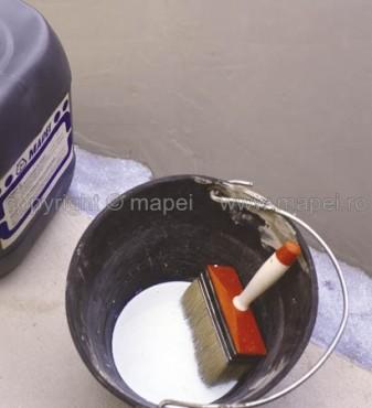 Exemple de utilizare Aplicare amorsa acrilica clasica pentru sape autonivelante   MAPEI - Poza 2