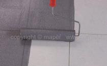 Amorse pentru sape autonivelante, sape de egalizare si adezivi Primer Gamorsa pentru suprafete absorbante,  pe care se toarna sape autonivelante sau se aplica adezivi pe baza de  ciment.Mapeprim SP rasina epoxidica bicomponenta, fara  solventi, cu rol de amorsa de aderenta pe suporturi dificile.Mapeprim 1K rasina epoxidica  monocomponenta, in dispersie apoasa, fara solventi, cu rol de amorsa de  aderenta intre un suport neabsorbant (gresie portelanata sau glazurata)  si materialele ce se vor aplica (sape autonivelante).