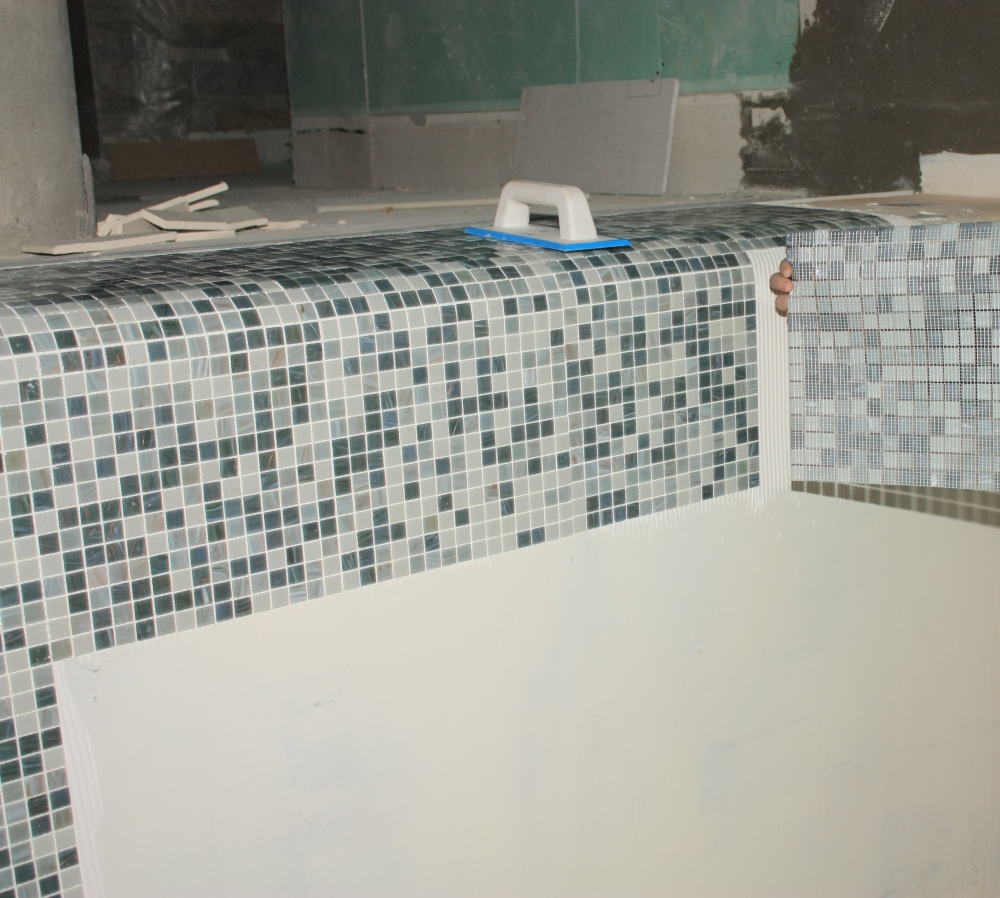 8. Placare mozaic cu Keralastic T_detaliu MAPEI - Poza 8