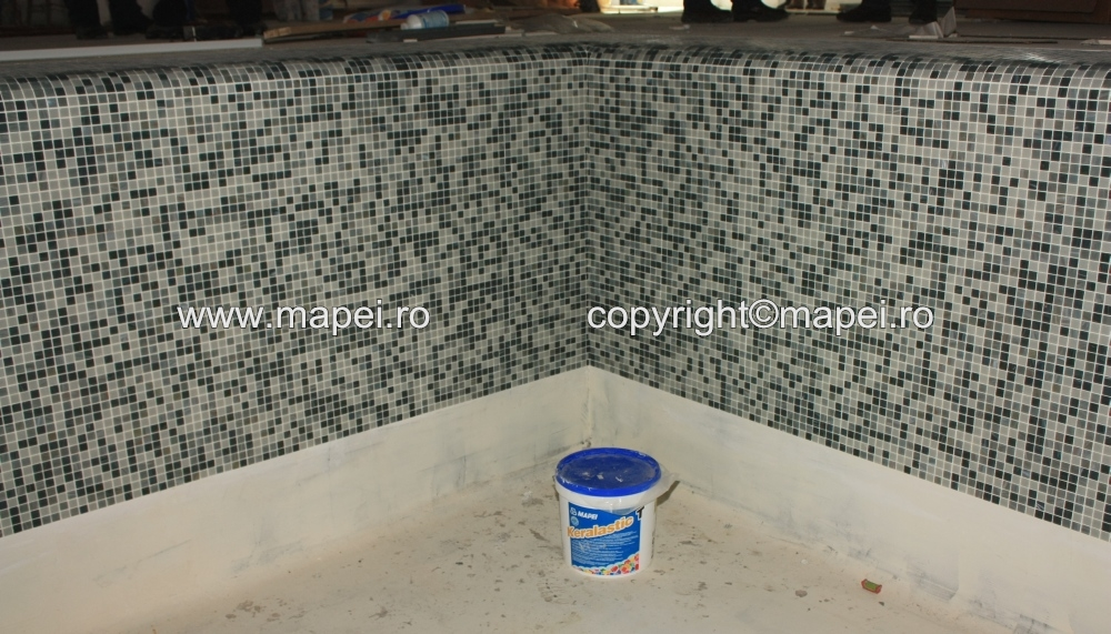 17. Placare mozaic cu adeziv Keralastic T MAPEI - Poza 17