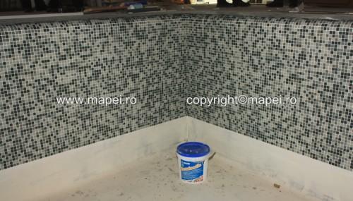 Executie, montaj 17. Placare mozaic cu adeziv Keralastic T MAPEI - Poza 17