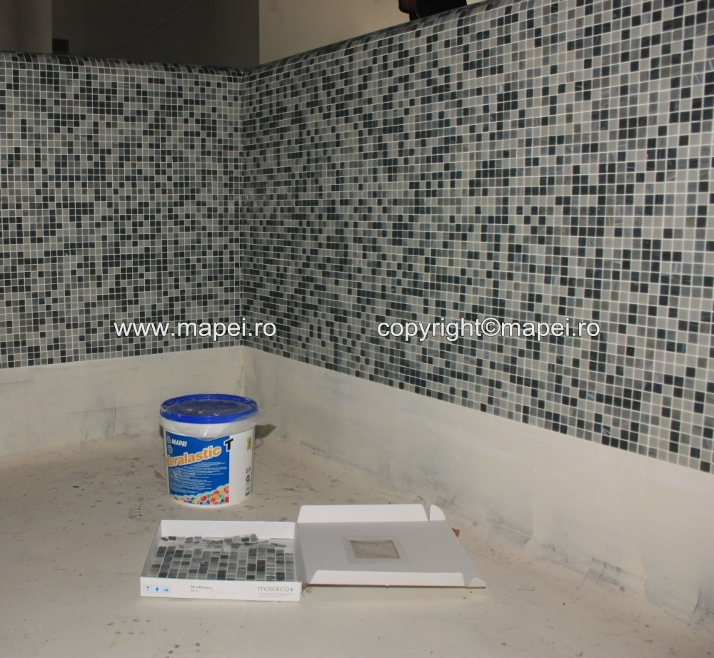 18. Placare mozaic cu adeziv Keralastic T MAPEI - Poza 18