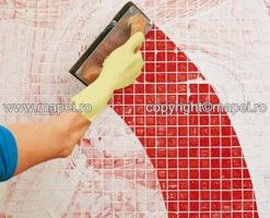 Chituri pe baza de ciment pentru rosturi Ultracolor Plus chit de rosturi pe  baza de ciment imbunatatit cu polimeri (CG2), de inalta performanta, cu  priza si uscare rapida, ce nu creaza eflorescente, hidrofobizat cu  DropEffect si actiune impotriva mucegaiului tehnologie BioBlock, pentru  chituirea rosturilor rigide cu dimensiuni intre 2 - 20 mm, de interior  sau exterior. Keracolor FF chit  de rosturi pe baza de ciment imbunatatit cu polimeri (CG2), cu timp  mare de lucrabilitate, hidrofobizat.