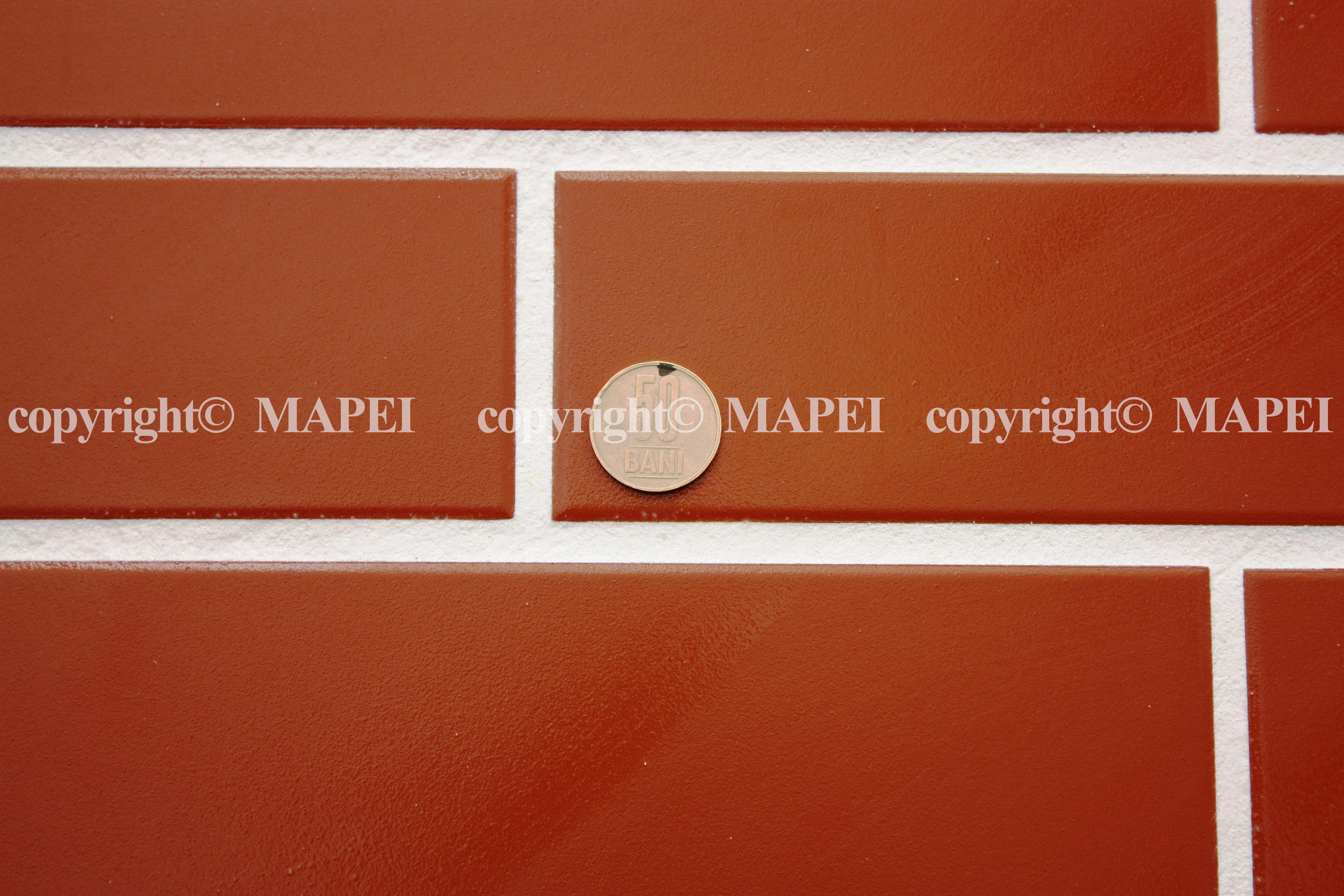 26 detaliu chit epoxi usor de curatat de pe klinker MAPEI - Poza 26