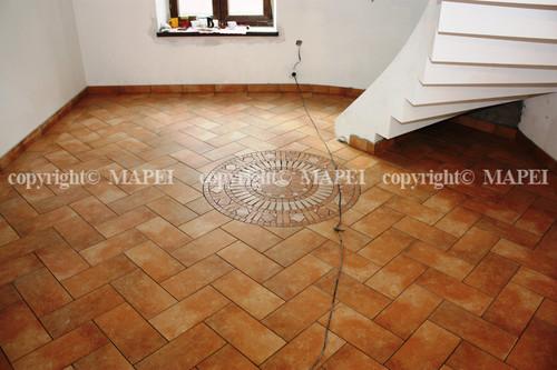 Exemple de utilizare 2. pardoseala ceramica gresie MAPEI - Poza 2