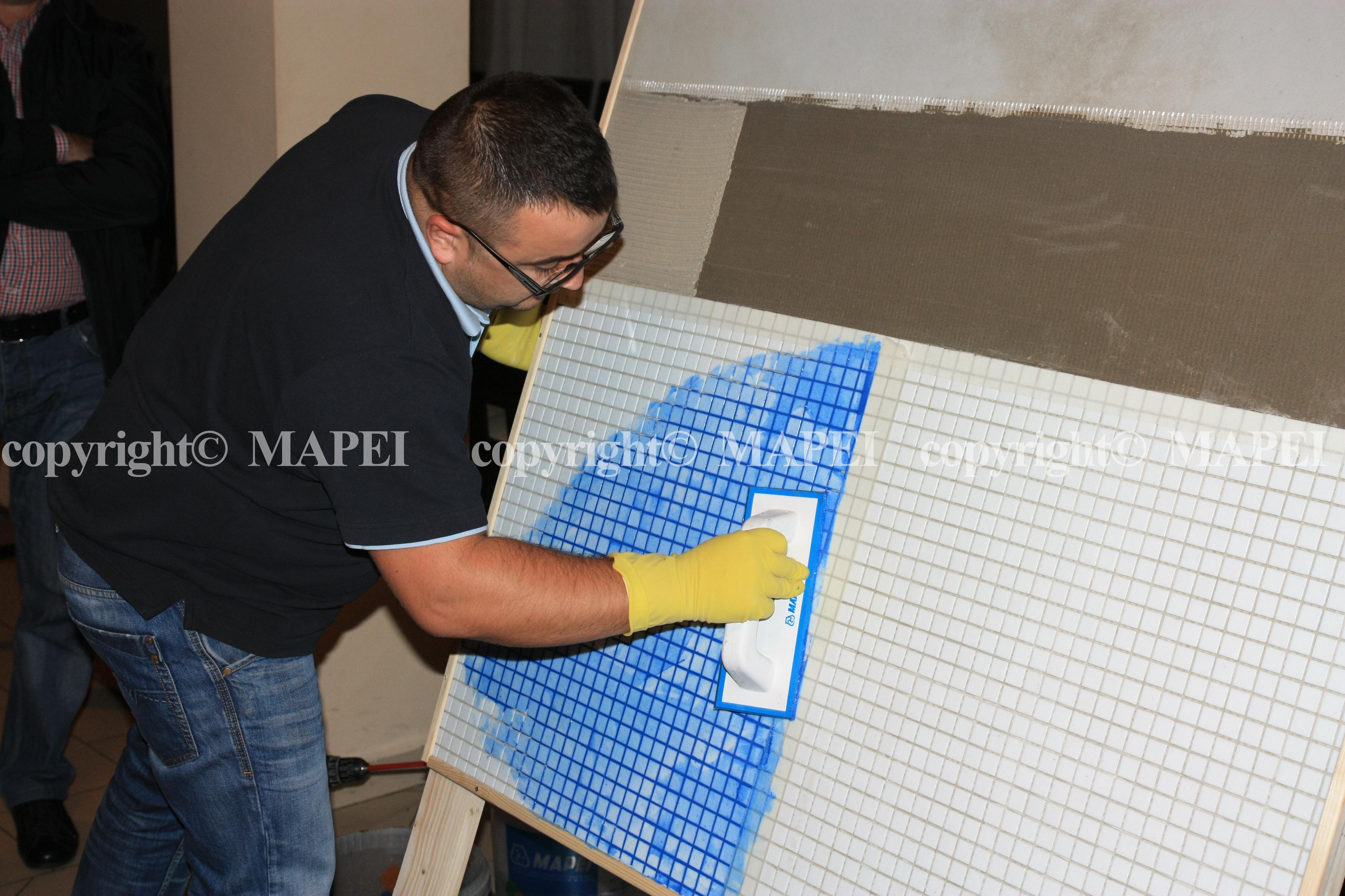 13. chituire mozaic sticla cu chit epoxidic MAPEI - Poza 13