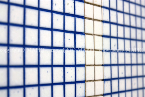 Executie, montaj 25. rosturi mozaic sticla chituite cu chit epoxidic MAPEI - Poza 25
