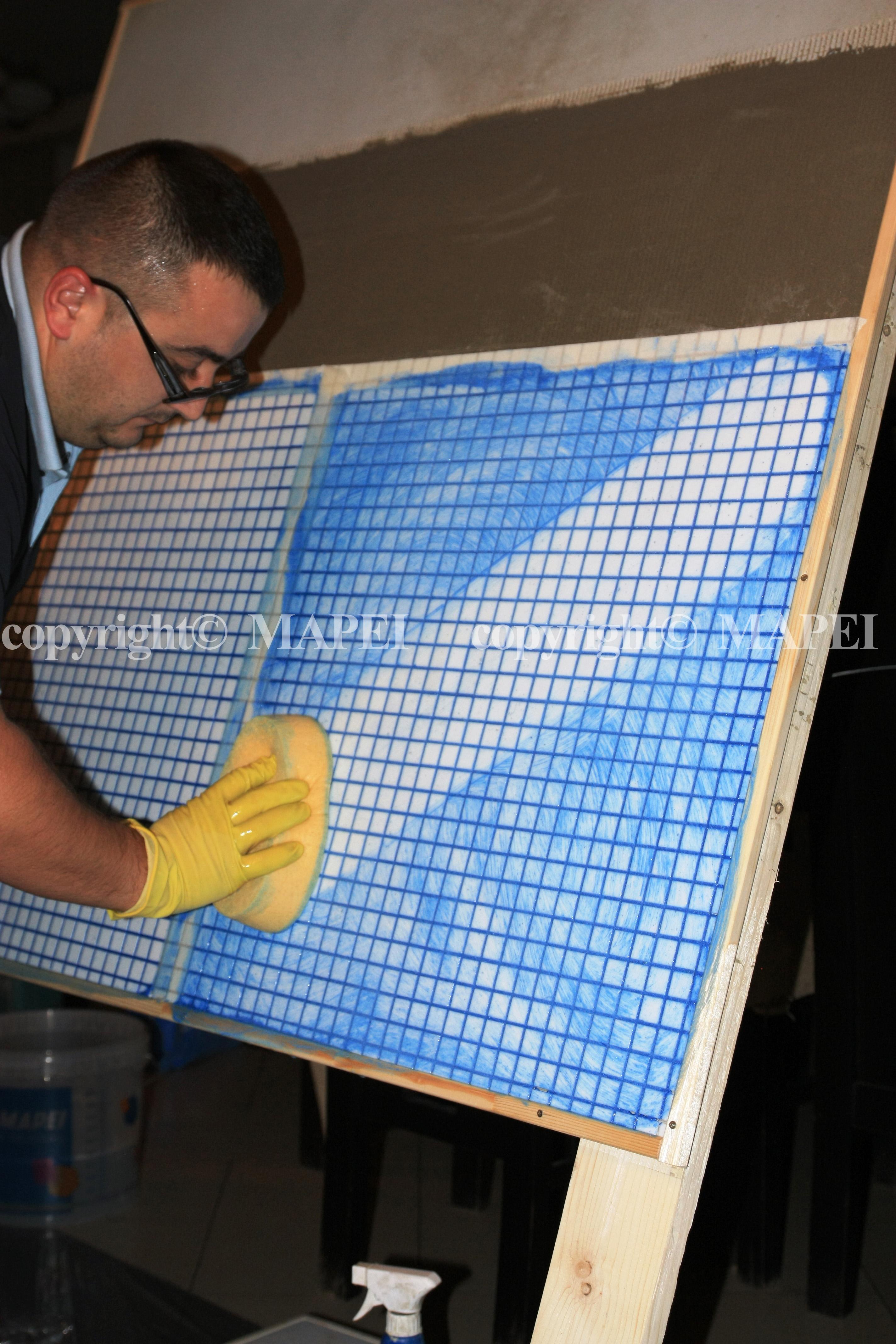 23. chituire finisare mozaic MAPEI - Poza 23