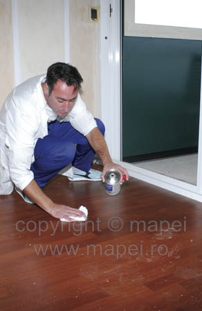 Solutie pentru curatarea urmelor de adezivi reactivi de pe parchetul prefinit si pardoseli din lemn MAPEI - Poza 2