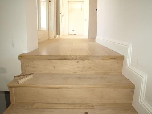 Executie, montaj 11 Placare trepte scara din beton cu lemn cu adeziv Mapei MAPEI - Poza 11