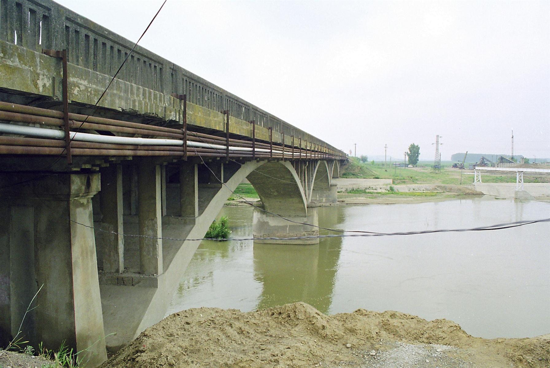 Reparatii pod peste raul Siret MAPEI - Poza 41