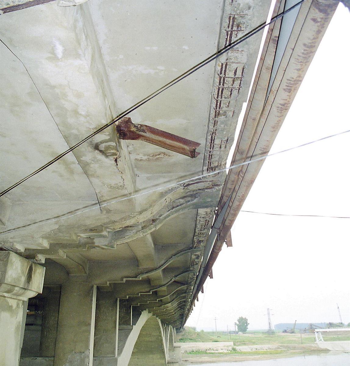Reparatii pod peste raul Siret MAPEI - Poza 35