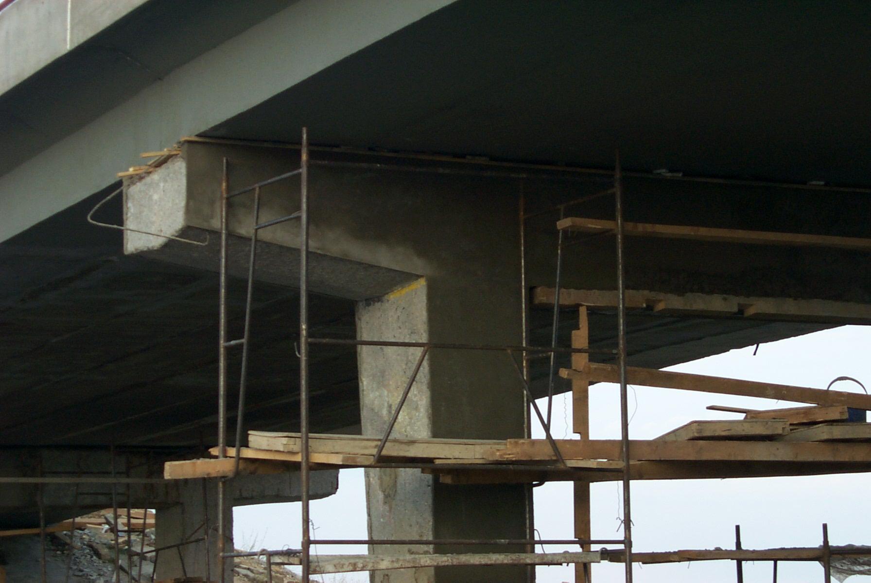 Reparatii pasaje peste Autostrada Bucuresti Pitesti MAPEI - Poza 86