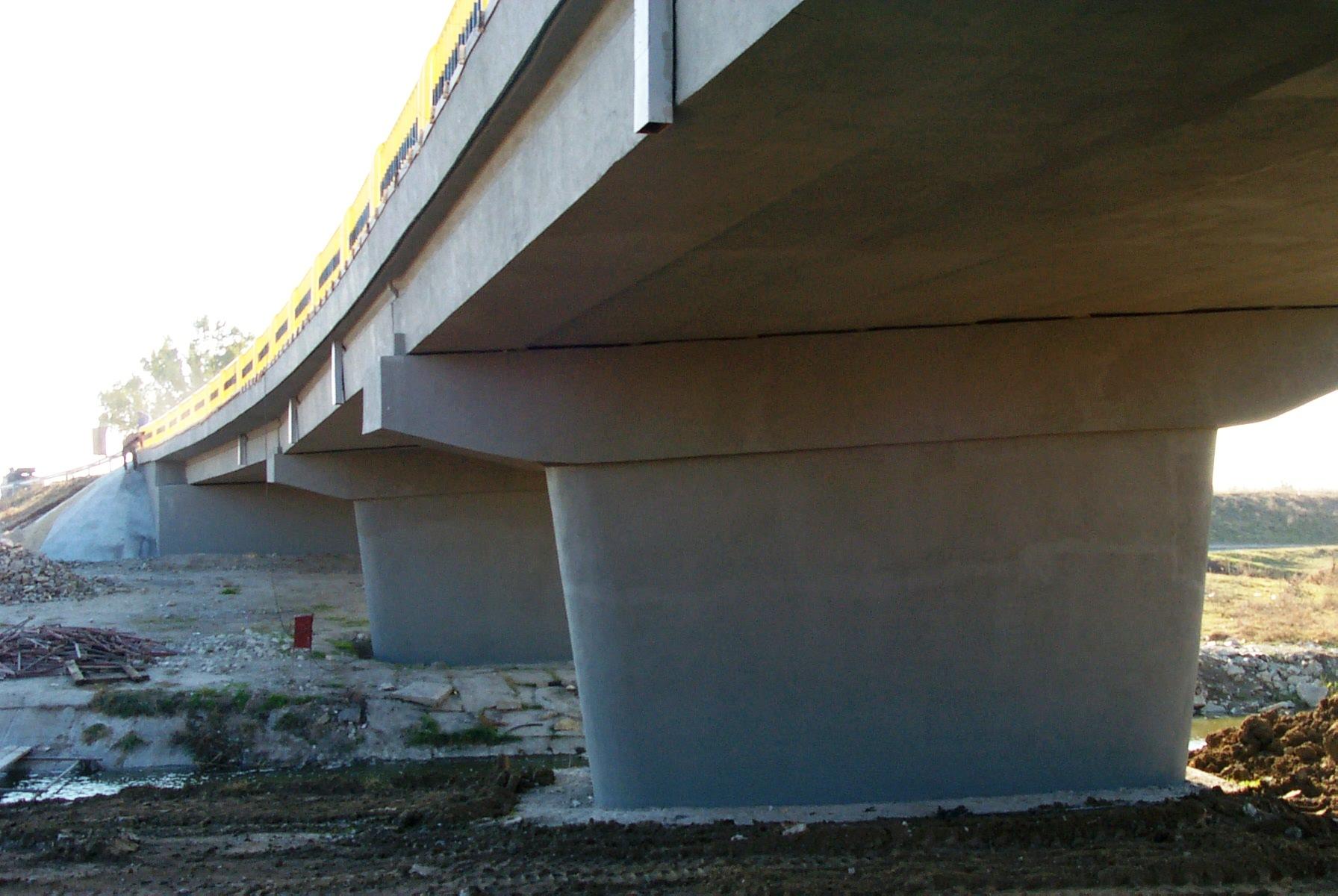 Reparatii pod (DN2), Km. 33 - 028, peste raul Calnistea MAPEI - Poza 126