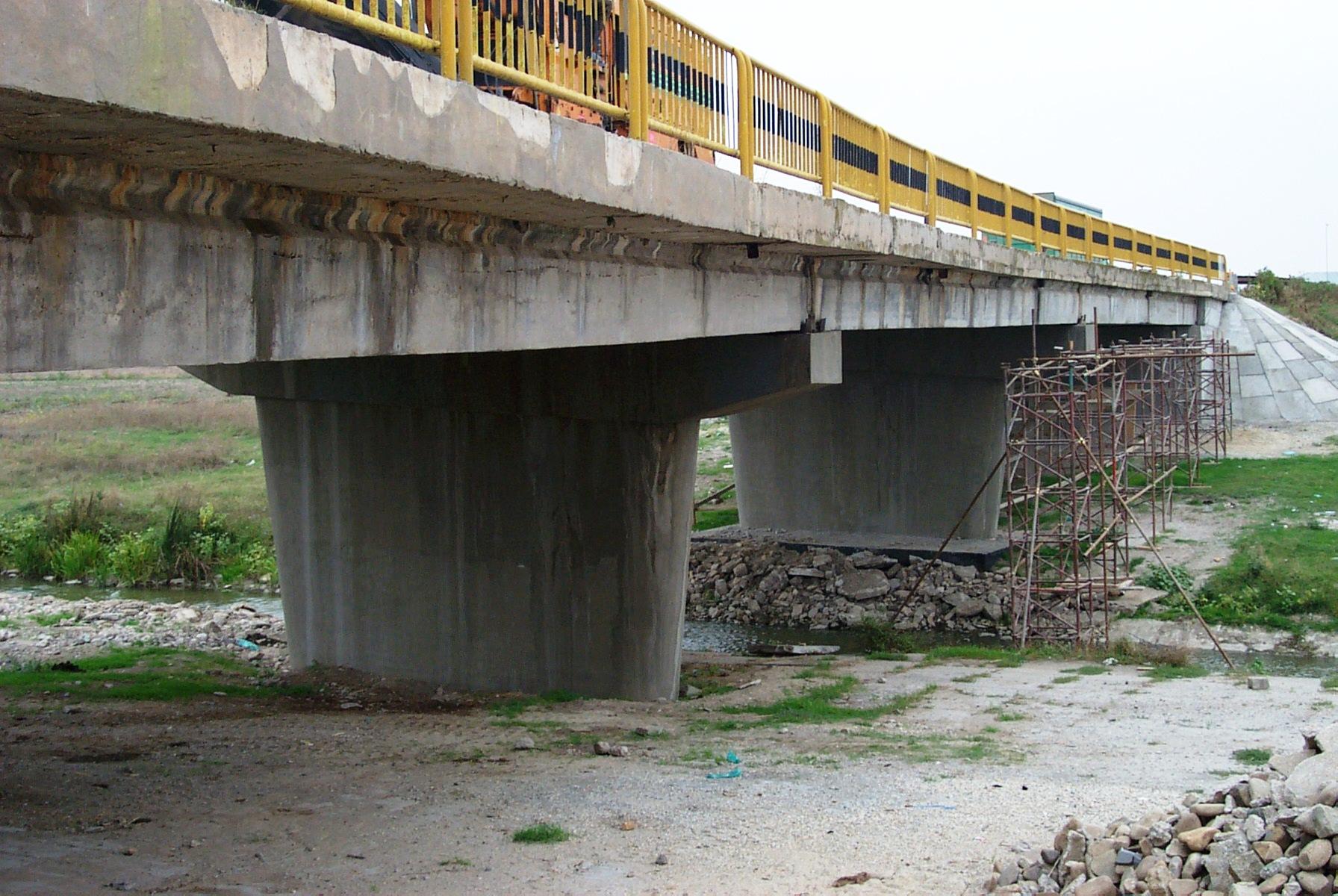 Reparatii pod (DN2), Km. 33 - 028, peste raul Calnistea MAPEI - Poza 114