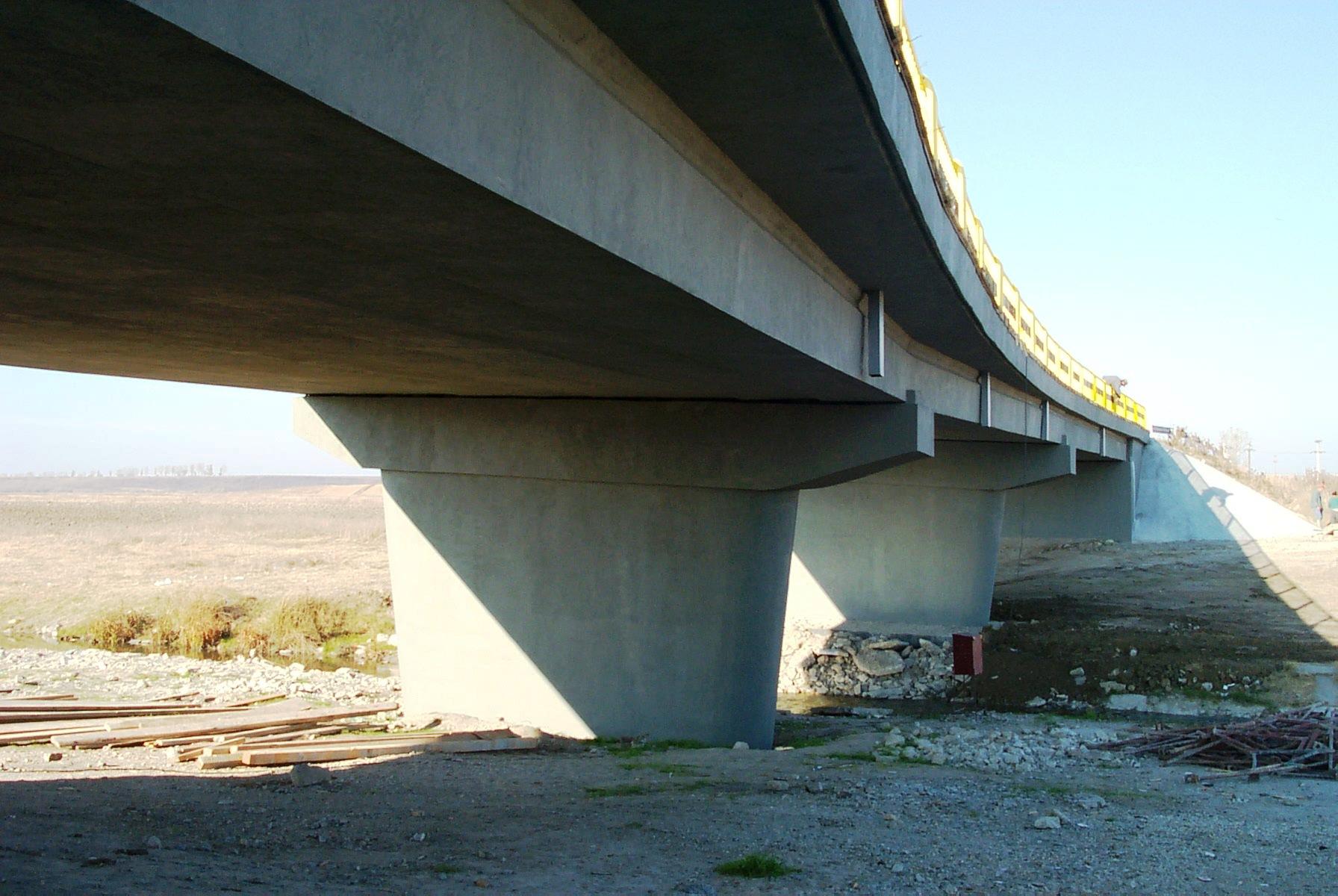 Reparatii pod (DN2), Km. 33 - 028, peste raul Calnistea MAPEI - Poza 121