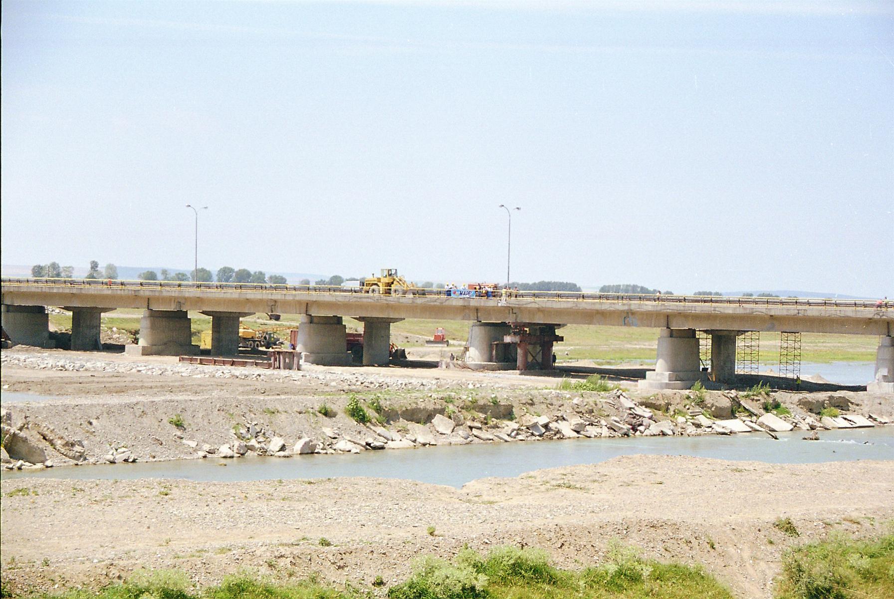 Reparatii pod Roman peste raul Moldova MAPEI - Poza 131