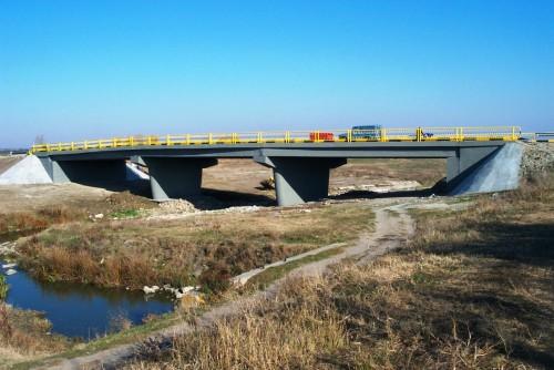 Lucrari de referinta Reparatii pod (DN2), Km. 33 - 028, peste raul Calnistea MAPEI - Poza 15