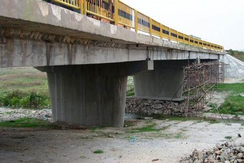 Lucrari de referinta Reparatii pod (DN2), Km. 33 - 028, peste raul Calnistea MAPEI - Poza 12