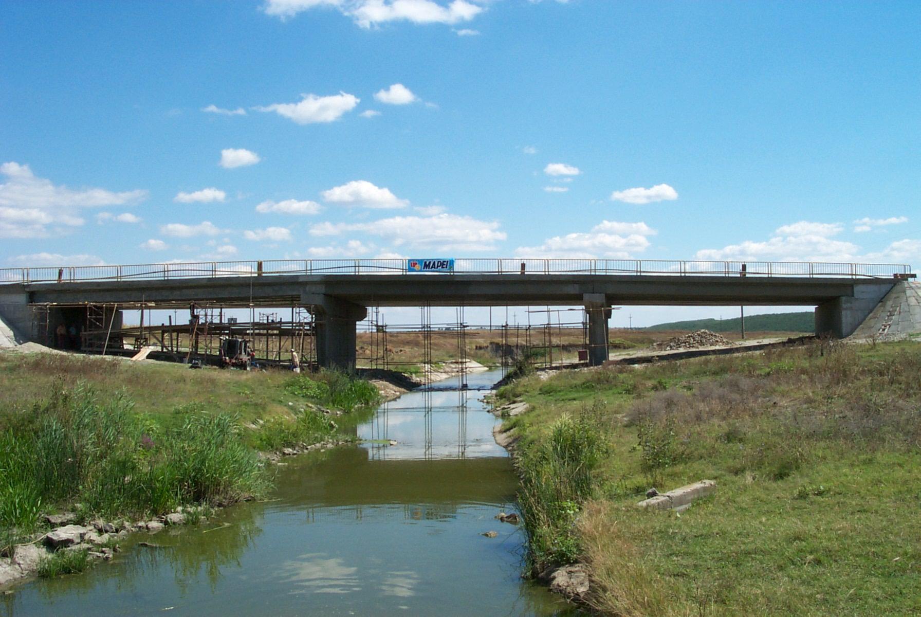Reparatii pod (DN2), Km. 33 - 028, peste raul Calnistea MAPEI - Poza 2