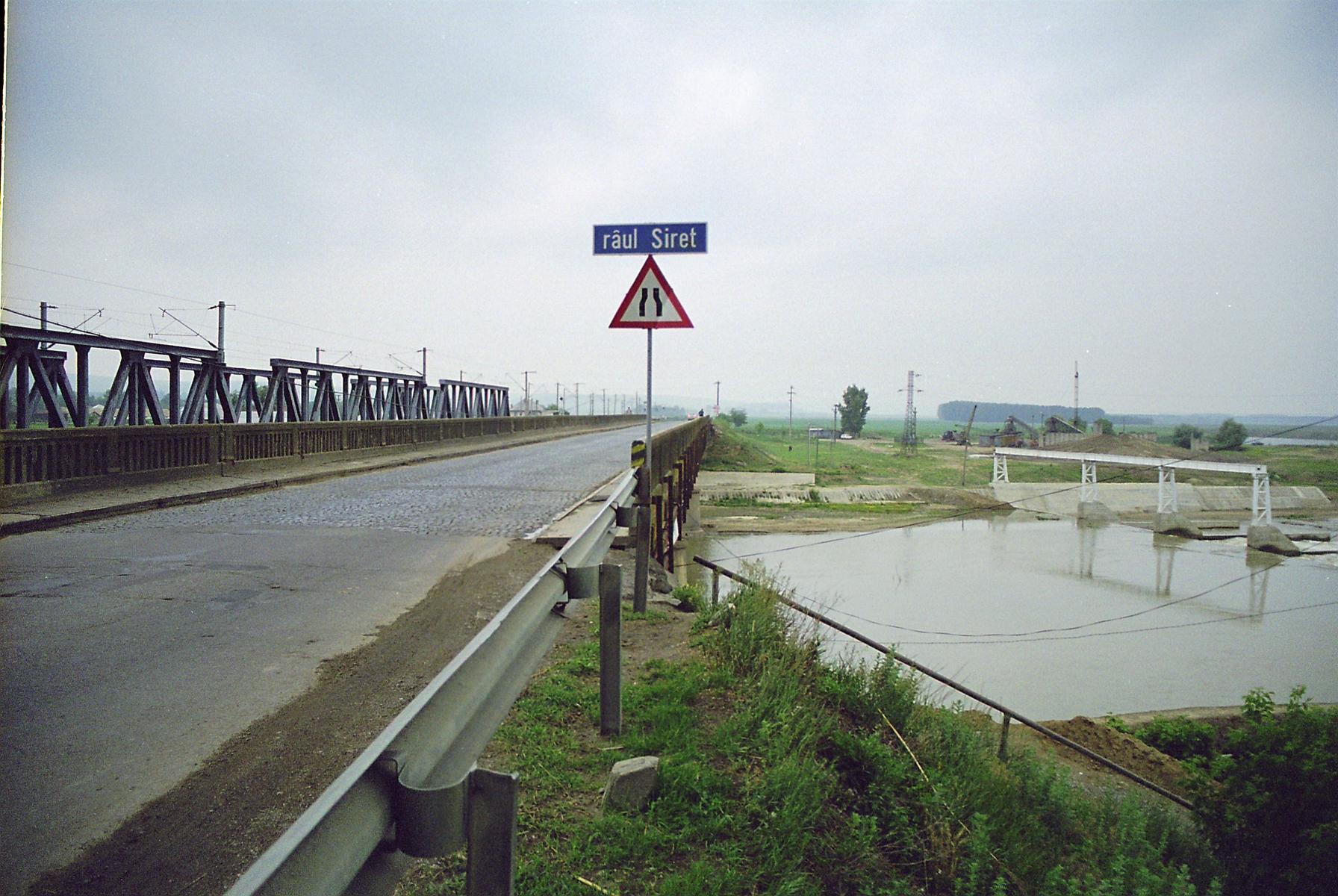 Reparatii pod peste raul Siret MAPEI - Poza 1