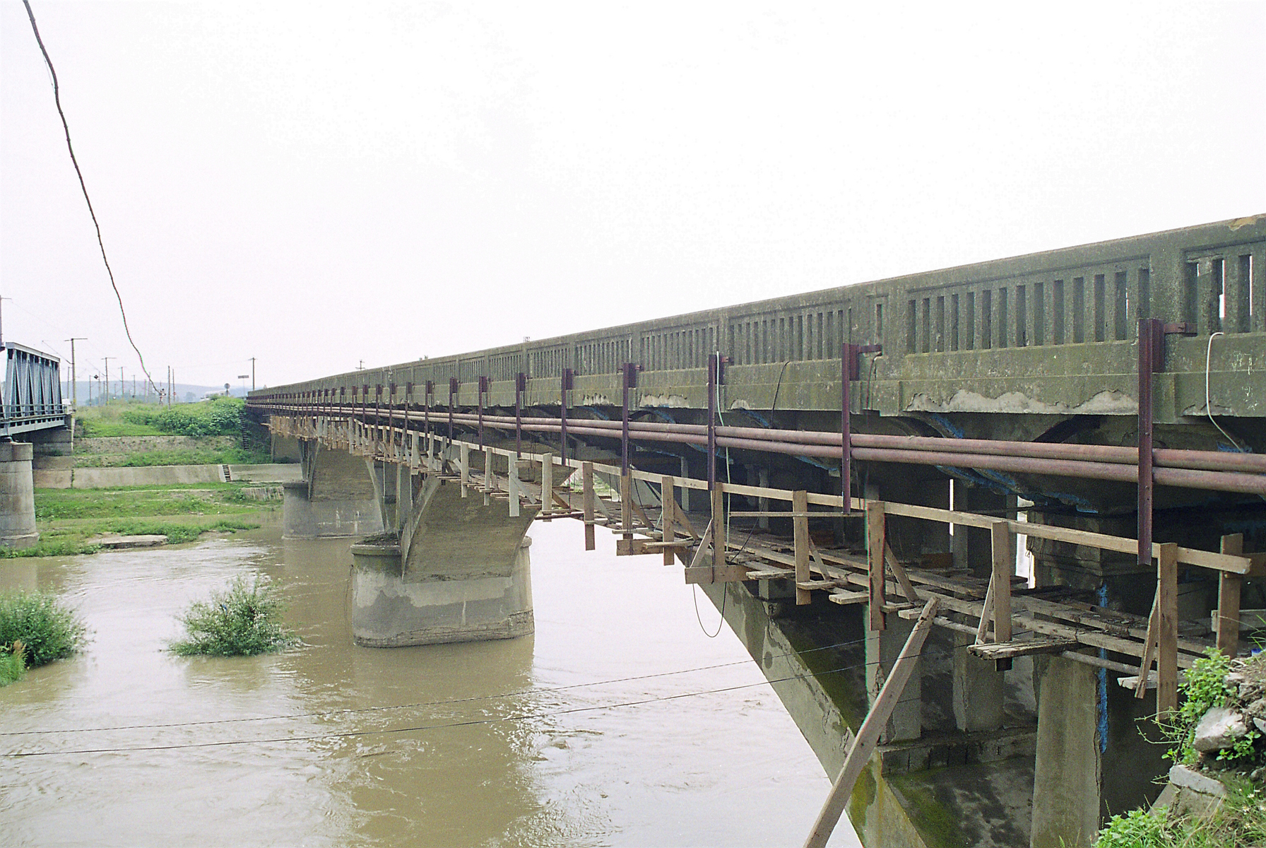 Reparatii pod peste raul Siret MAPEI - Poza 8