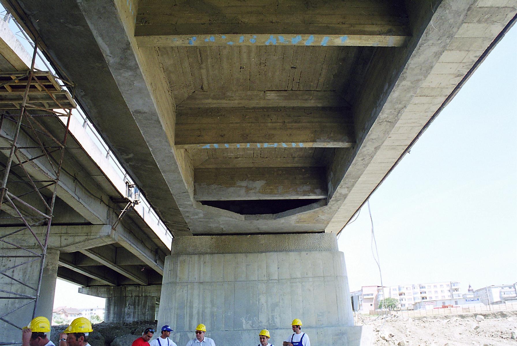 Reparatii pod Roman peste raul Moldova MAPEI - Poza 26
