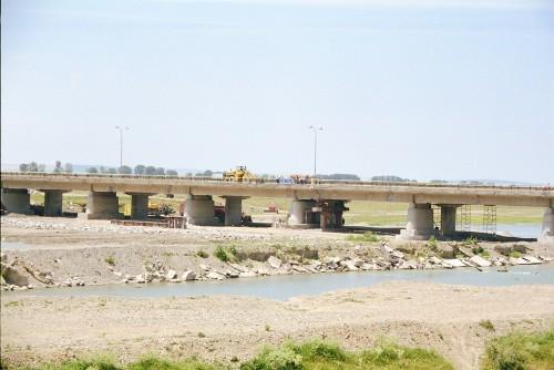 Lucrari de referinta Reparatii pod Roman peste raul Moldova MAPEI - Poza 3