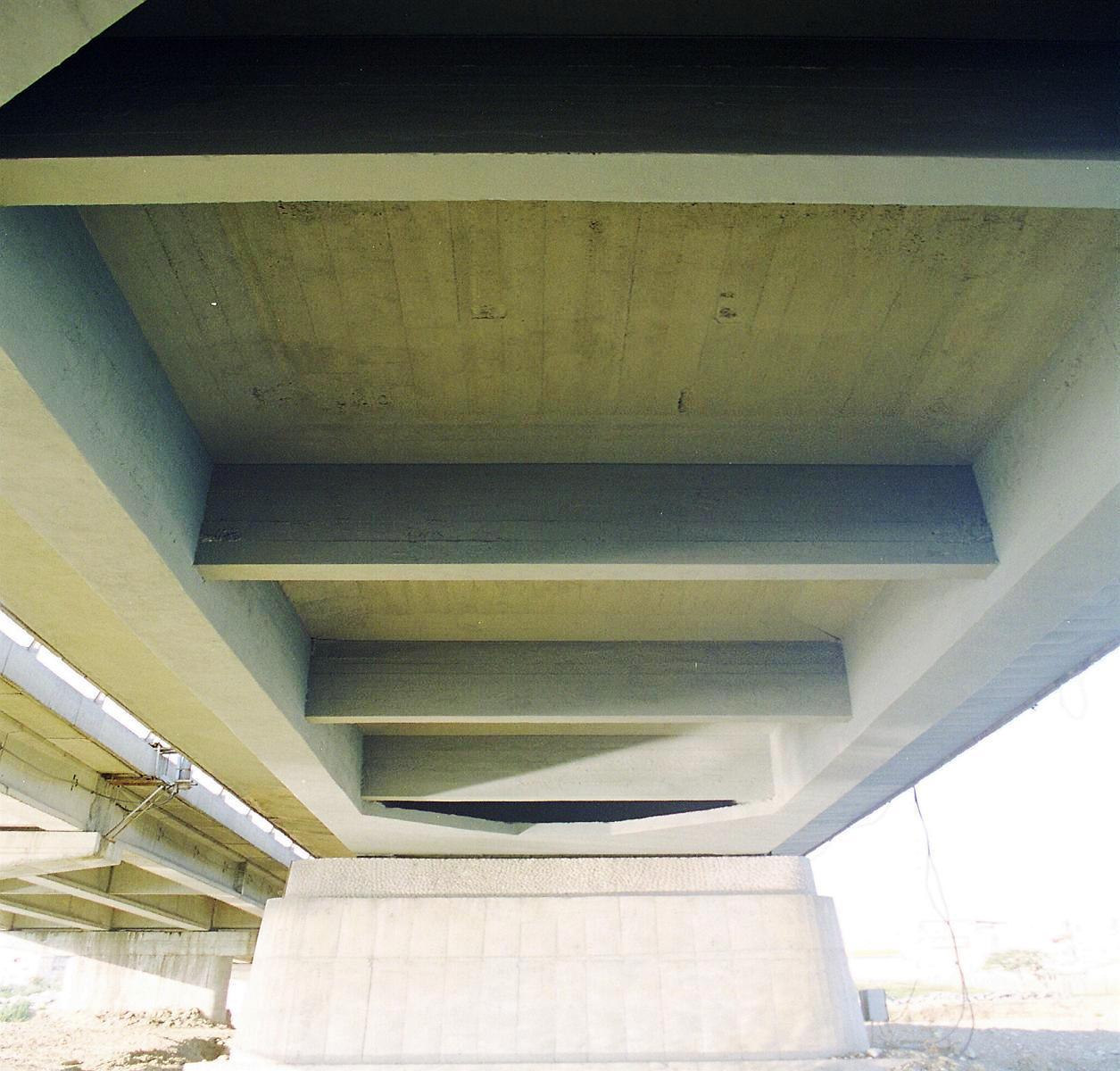 Reparatii pod Roman peste raul Moldova MAPEI - Poza 32