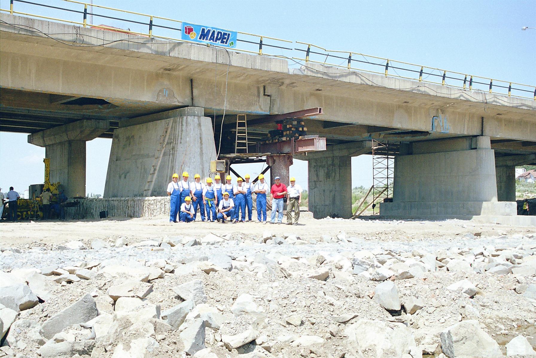 Reparatii pod Roman peste raul Moldova MAPEI - Poza 4