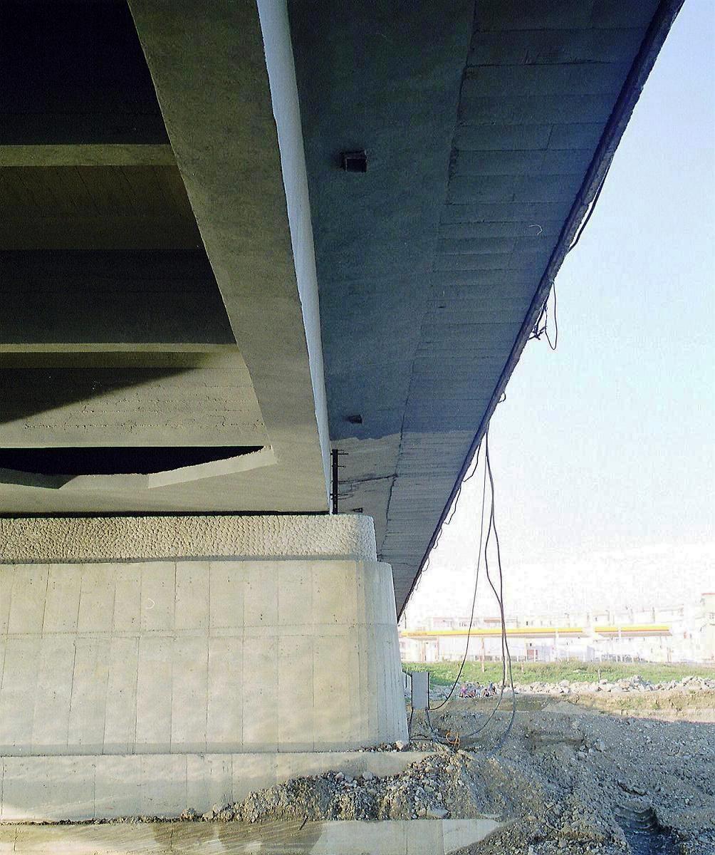 Reparatii pod Roman peste raul Moldova MAPEI - Poza 31