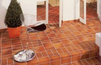 Pardoseli Klinker rezidentiale si industriale Placile pentru pardoseala tip klinker STROHER au rezistenta mare la uzura, precum si la variatiile termice, sunt antiderapante si au durata lunga de utilizare.