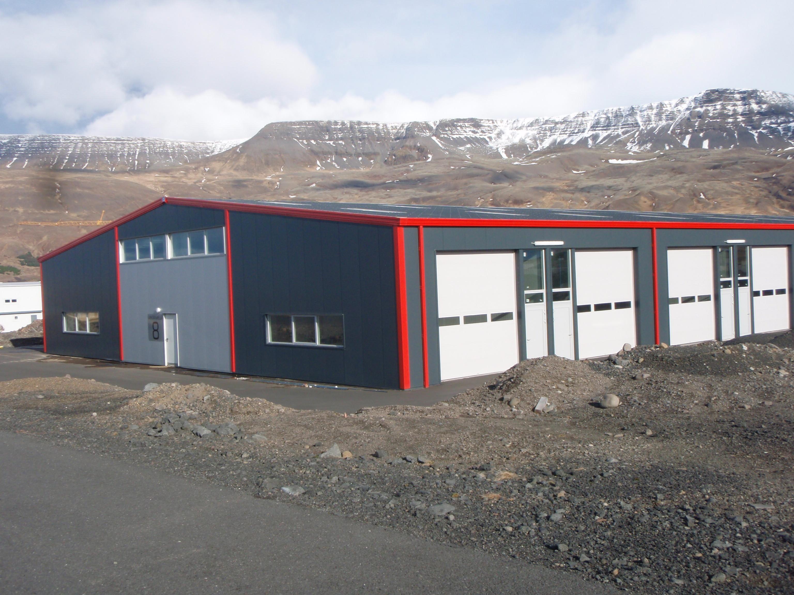 Hale pe structura de metal LINDAB BUILDINGS - Poza 28