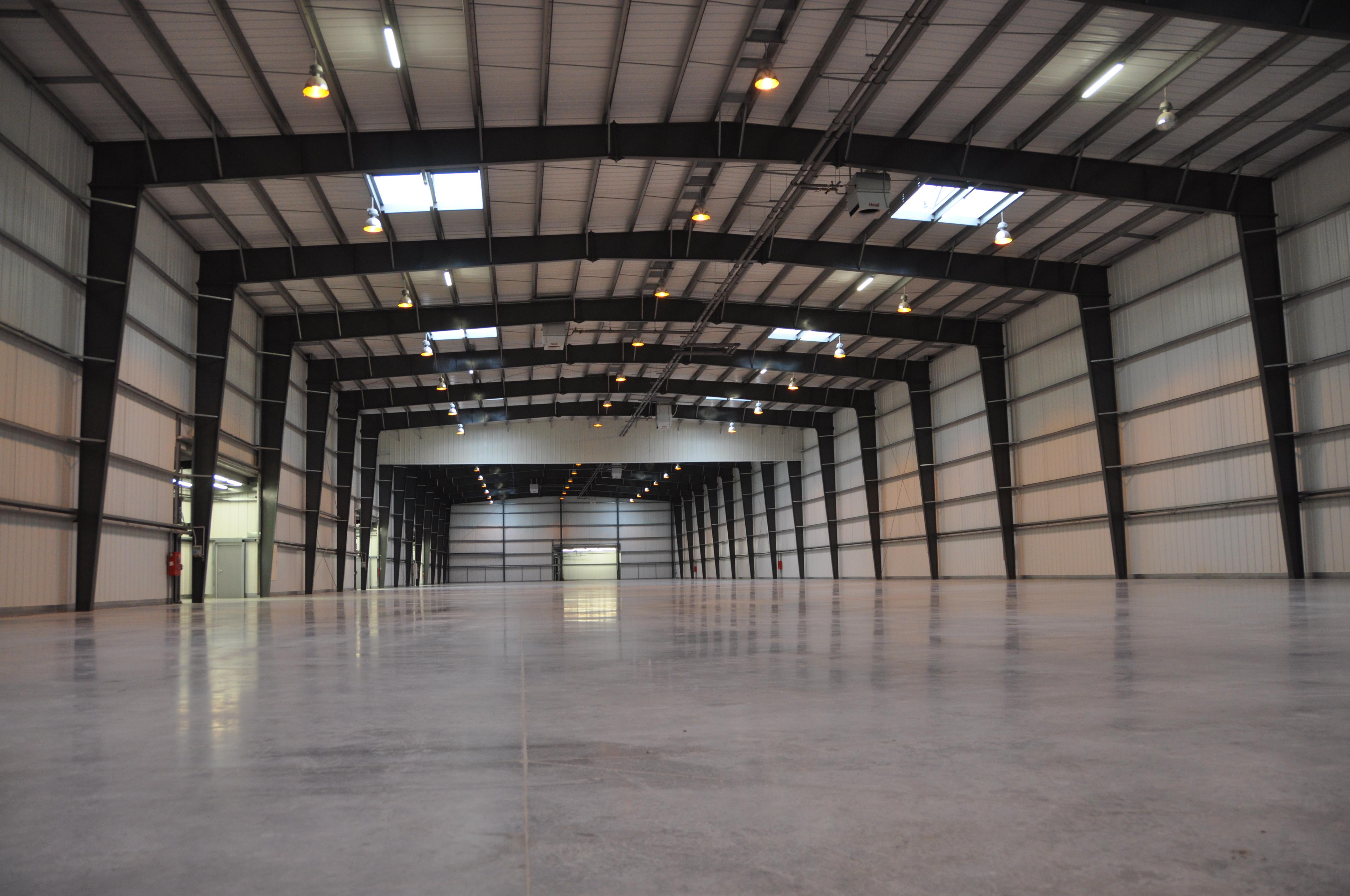 Hale pe structura de metal LINDAB BUILDINGS - Poza 33