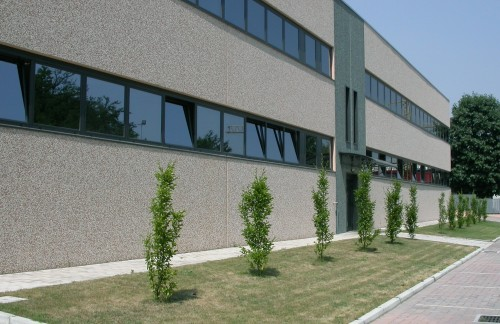 Hale industriale cu elemente structurale prefabricate din beton armat MAGNETTI - Poza 2