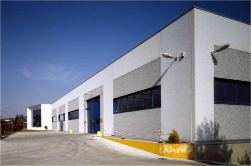 Hale industriale cu elemente structurale prefabricate din beton armat - Sediu Magnetti Building MAGNETTI - Poza 2