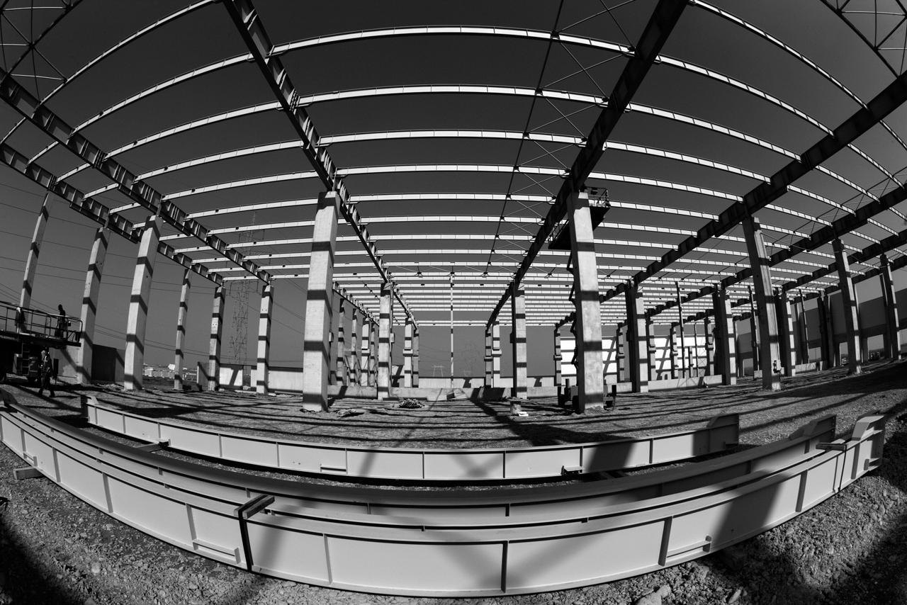 Hale industriale cu elemente structurale prefabricate din beton armat - Depozit logistic Mega Image MAGNETTI - Poza 3