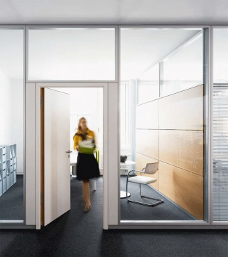 Prezentare produs Compartimentari de birouri cu pereti si usi de sticla FECO - Poza 2