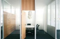 Sistem de compartimentare birouri, cu pereti si usi de sticla FECO