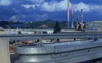 Bariere metalice de protectie TUBOSIDER pune la dispozitie o gama larga de bariere metalice, care satisfac toate cerintele de trafic rutier, pentru ca: limiteaza cat de mult posibil consecintele unui impact asupra pasagerilor, franeaza si redirectioneaza autovehiculele in coliziune in mod sigur fara sa cedeze. TUBOSIDER a proiectat un sistem de bariere metalice pentru obtinerea sigurantei  pe sosele si autostrazi, acestea avand o geometrie variabila.