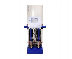 Modul de expansiune Modulul de expansiune - adaos oferit de ALFA LAVAL are urmatoarele functii: asigura preluarea excedentului de apa rezultat din dilatare in circuitul de incalzire (sau racire), asigura protectia la suprapresiune a circuitului de incalzire (sau racire), asigura recuperarea apei tratate deversate din sistemul de incalzire la expansiune, etc.