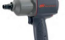 Surubelnite Surubelnita cu percutie 2135 QTiMax 1/2''. Surubelnita profesionala cu percutie cu percutor TWIN-Hammer Plus, cu regulator patentat de putere in mai multe trepte, pentru control maxim, cu comanda cu o singura mana pentru facilitarea lucrului si cu motor cu 7 lamele pentru putere maxima, maner ergonomic si comenzi usor accesibile si sensibile.