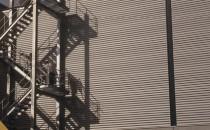 Panouri sandwich rezistente la foc FireMet ® Roof G4 panoul FIREMET ® ROOF G4 este un panou  metalic cu auto-sustinere, confectionat folosind un sistem de productie  brevetat de Metecno si proiectat pentru ACOPERISURI amenajate in vederea  incendiilor ale cladirilor industriale si comerciale. Hipertec® Roof G4 sistem de panou  metalic cu auto-sustinere izolat cu vata minerala pentru acoperis si  aplicatii pe pereti, care necesita un grad mare de rezistenta la foc si  un grad mare de izolare fonica.