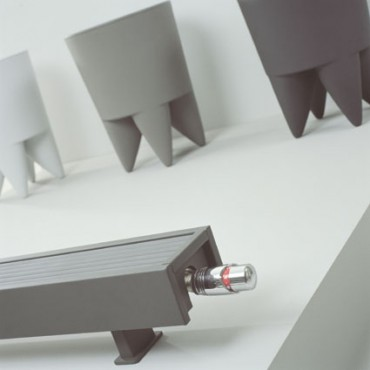 Exemple de utilizare Calorifere de plinta cu picioruse, cu inaltime mica JAGA - Poza 2