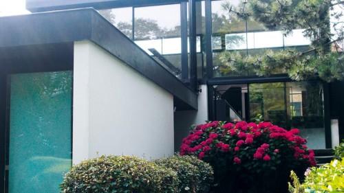 Prezentare produs Ferestre minimale - intr-un mediu verde KELLER - Poza 5