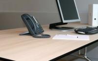 Placi compacte Placile compacte produse de EGGER, fiind clasificate ca placi de tip CGS, sunt utilizate in industria mobilei si amenajarilor interioare. Culoarea standard a miezului este negru insase potproduce si placi cu miezul maro. Dimensiunile maxime ale placilor sunt 5.610