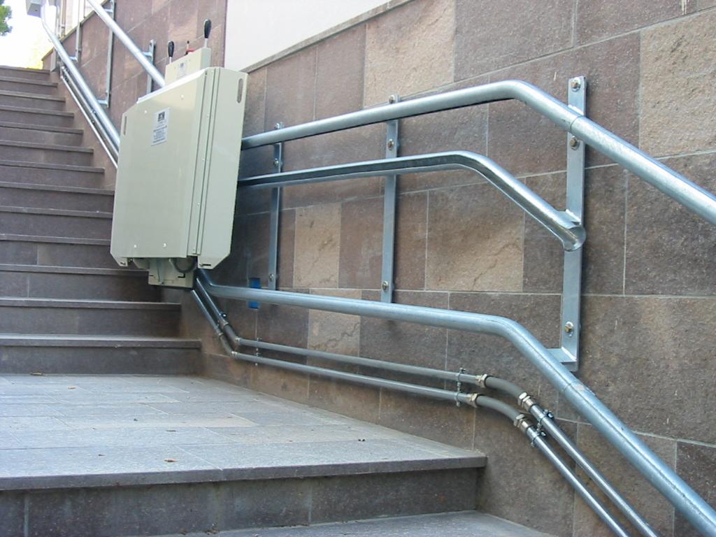 Exemple de utilizare elevator pentru persoane cu for Garaventa lift