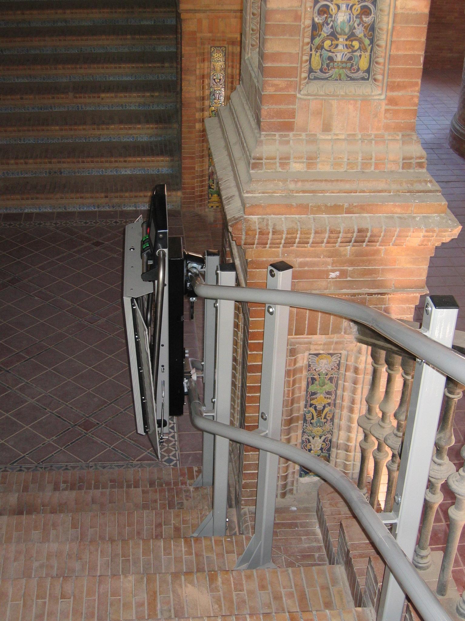 Elevator pentru persoane cu dizabilitati GARAVENTA LIFT - Poza 13